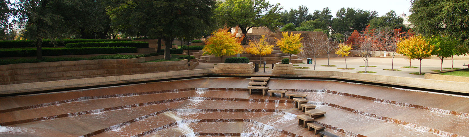 brian-luenser-fort-worth-water-gardens-fall